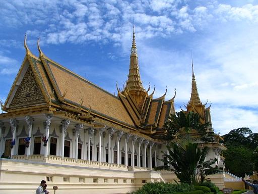 Royal_Palace,_Cambodia_2_by_gul791