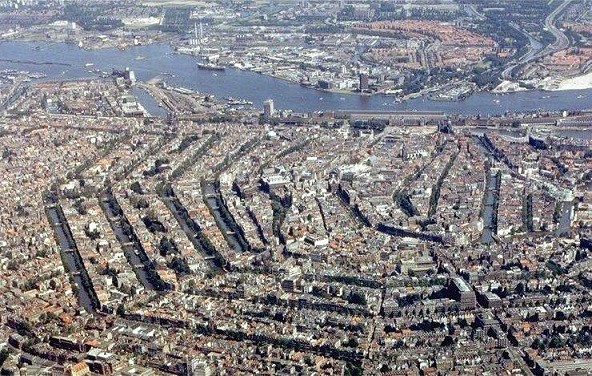 AmsterdamLuchtfotoBmz.jpg