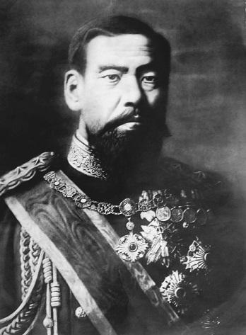 Black_and_white_photo_of_emperor_Meiji_of_Japan.jpg