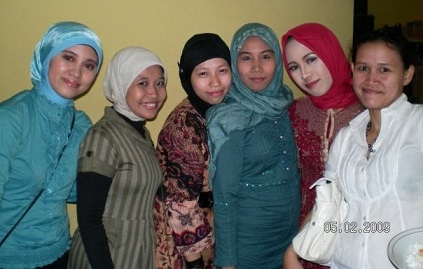 Hijab-Indonesia_Anna_Martadiningrat.jpg