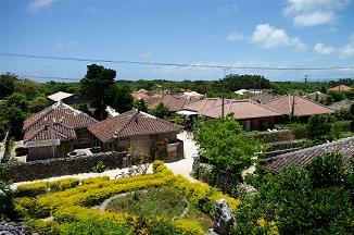 Village_in_Taketomi_Island_-_located_at_southwest_Japan.jpg
