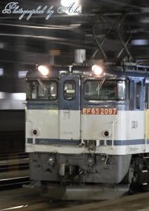 85レ(=EF65-2097牽引)