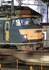対向列車と離合(EF66-24)