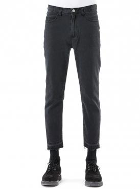 unif_black_cropped_jeans_1.jpg