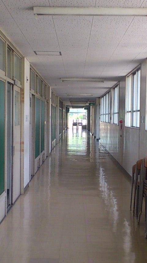 校舎(西中)