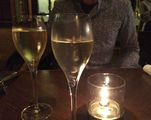 14)シャンパンで
