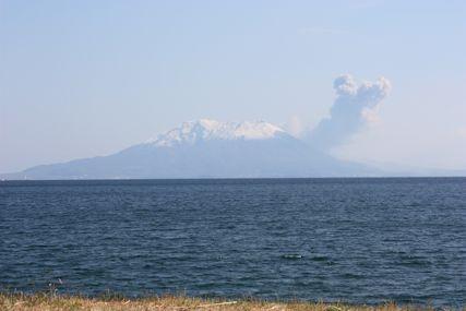 錦江湾からみる桜島噴火