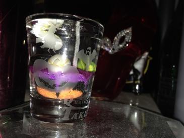 ハロウィングラスにジェルキャンドル