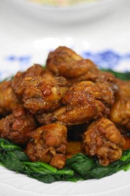 鶏手羽元のコク旨黒酢煮1