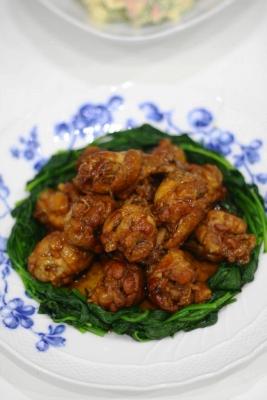 鶏手羽元のコク旨黒酢煮2