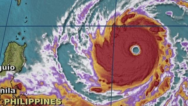 台風19号、今年最強の勢力に発達