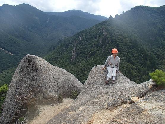 屋根岩2峰上