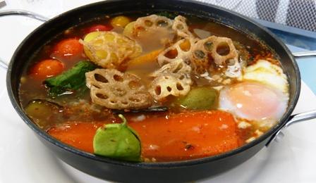 ハイタイドカフェ:季節の島野菜のスープカレー2
