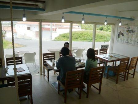 ハイタイドカフェ:店内1