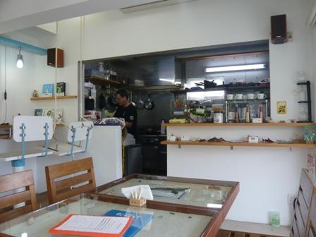 ハイタイドカフェ:店内2