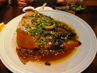 13息子達の石垣観光:ひとし石巌當店;マグロのカブト煮