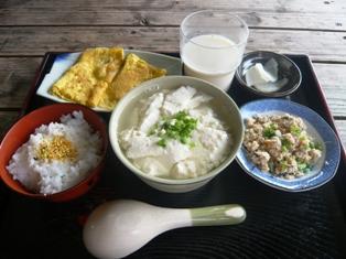 19息子達の石垣観光:豆腐の比嘉;お年寄りセット