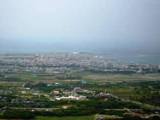 23息子達の石垣観光:エメラルドの海を見る展望台2
