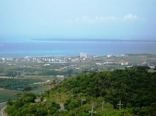 24息子達の石垣観光:エメラルドの海を見る展望台3