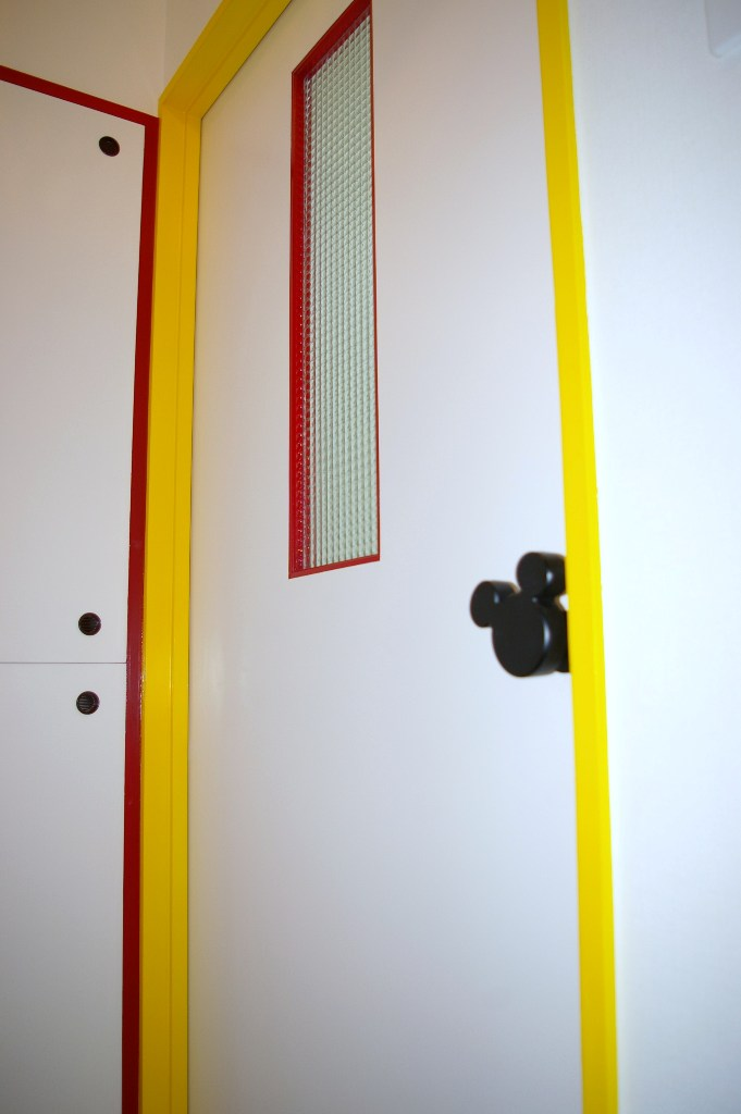 mickeyroomRdoor
