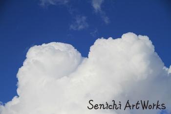 仰向けのおっぱい雲