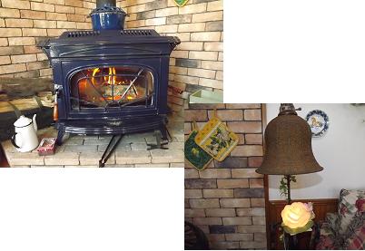 暖炉とライト