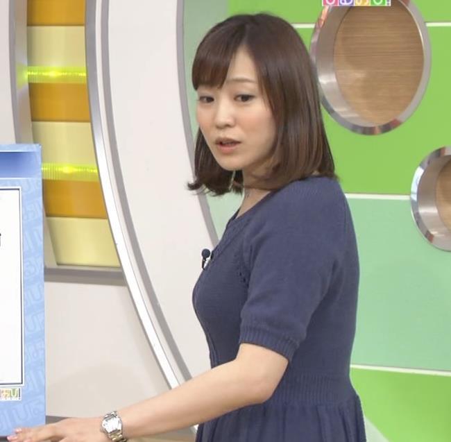江藤愛 大きさがわかる横乳