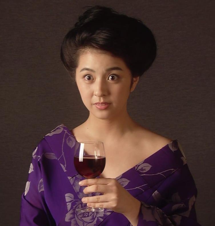 柳ゆり菜 話題のマッサンでのヌードキャプ・エロ画像4