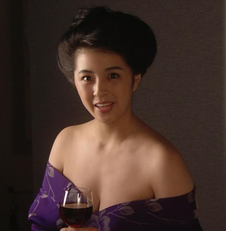 柳ゆり菜 話題のマッサンでのヌードキャプ・エロ画像6