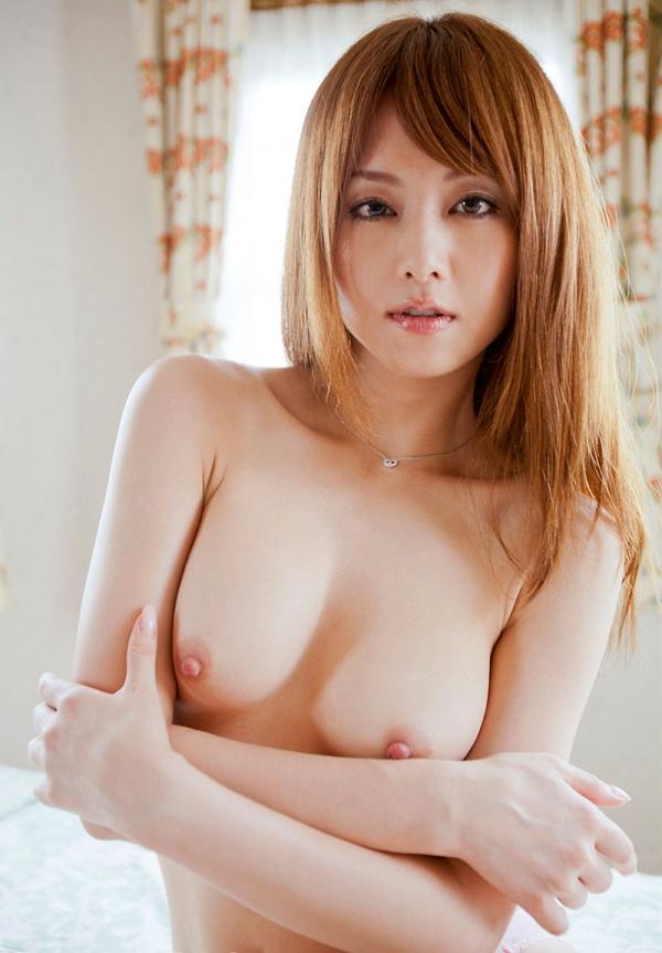 吉沢明歩 色白美乳と美脚を広げまんこが露わなM字開脚エロ画像007.jpg