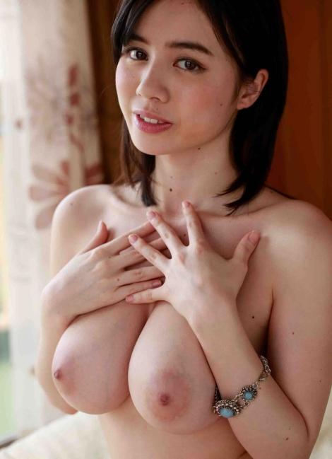 吉川あいみ 童顔ベビーフェイスでHカップ巨乳! くびれが美しい全裸ヌード エロ画像36枚
