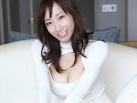 キャイ~ン・天野ひろゆきの結婚相手・荒井千里のセクシーなデジタル写真集をリリース