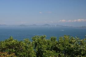 展望台から見た来島海峡大橋