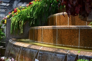 ベゴニア温室の滝