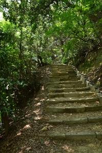 太子殿への階段