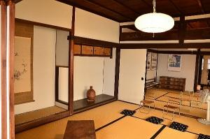 床の間のある広い部屋