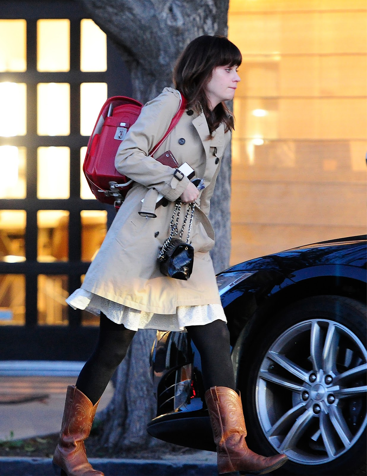Zooey_Deschanel-Beverly_Hills-CA-19_3_2014-006.jpg