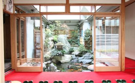 西喜楼の中庭_H24.12.09撮影