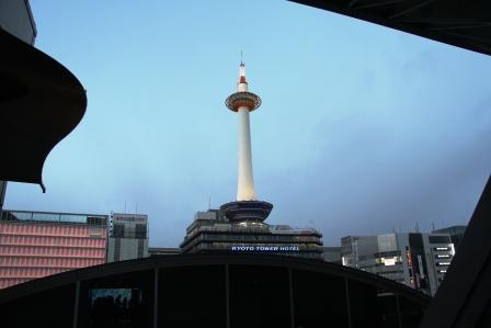 2階から京都タワー_H26.02.09撮影