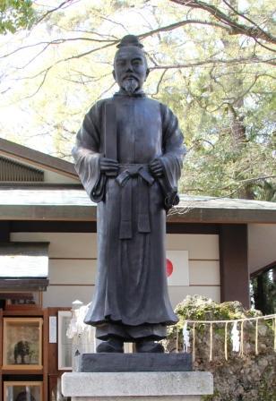和気清麻呂公の銅像_H26.04.06撮影