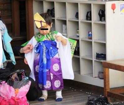稚児姿の男の子 H26.04.06撮影
