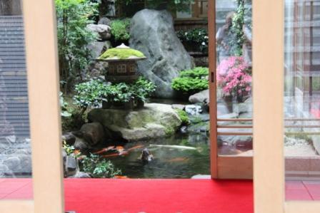 西喜楼の中庭_H26.06.07撮影
