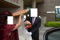 仲人が花嫁をエスコート140426