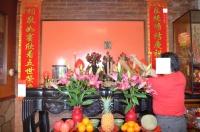 仏壇に線香をお供え140426