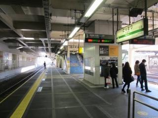 線路切替完了直後の常磐線日暮里駅3番線。
