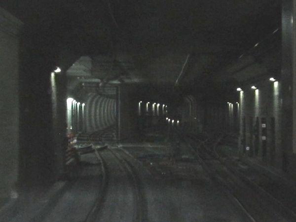 切替直後の小竹向原駅側の連絡線取り付け部分。旧線は直進して右の線路と合流していた。