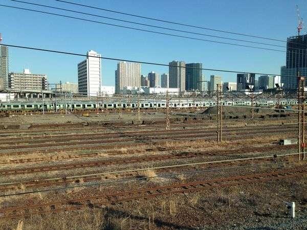 線路の撤去が進む旧田町車両センター