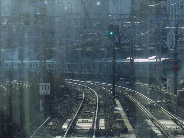 a:品川駅第一場内信号機。右側の旧車両基地用の信号機は使用停止となった。