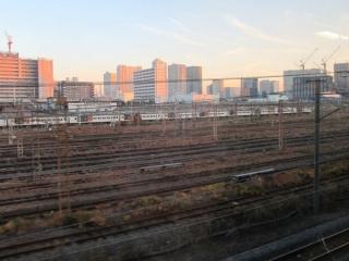 使用停止となり1両も電車が居なくなった旧車両基地。