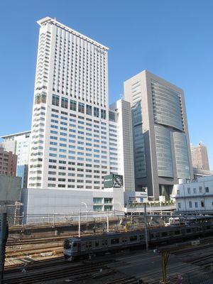 9年ぶりに新宿駅に入線した横須賀線E217系